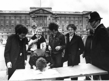 A&M Signing, Buckingham Palace 10th March 1977 © Graham Wood